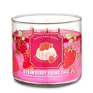 Bath & Body Works Strawberry Cake 3-Wick Candle